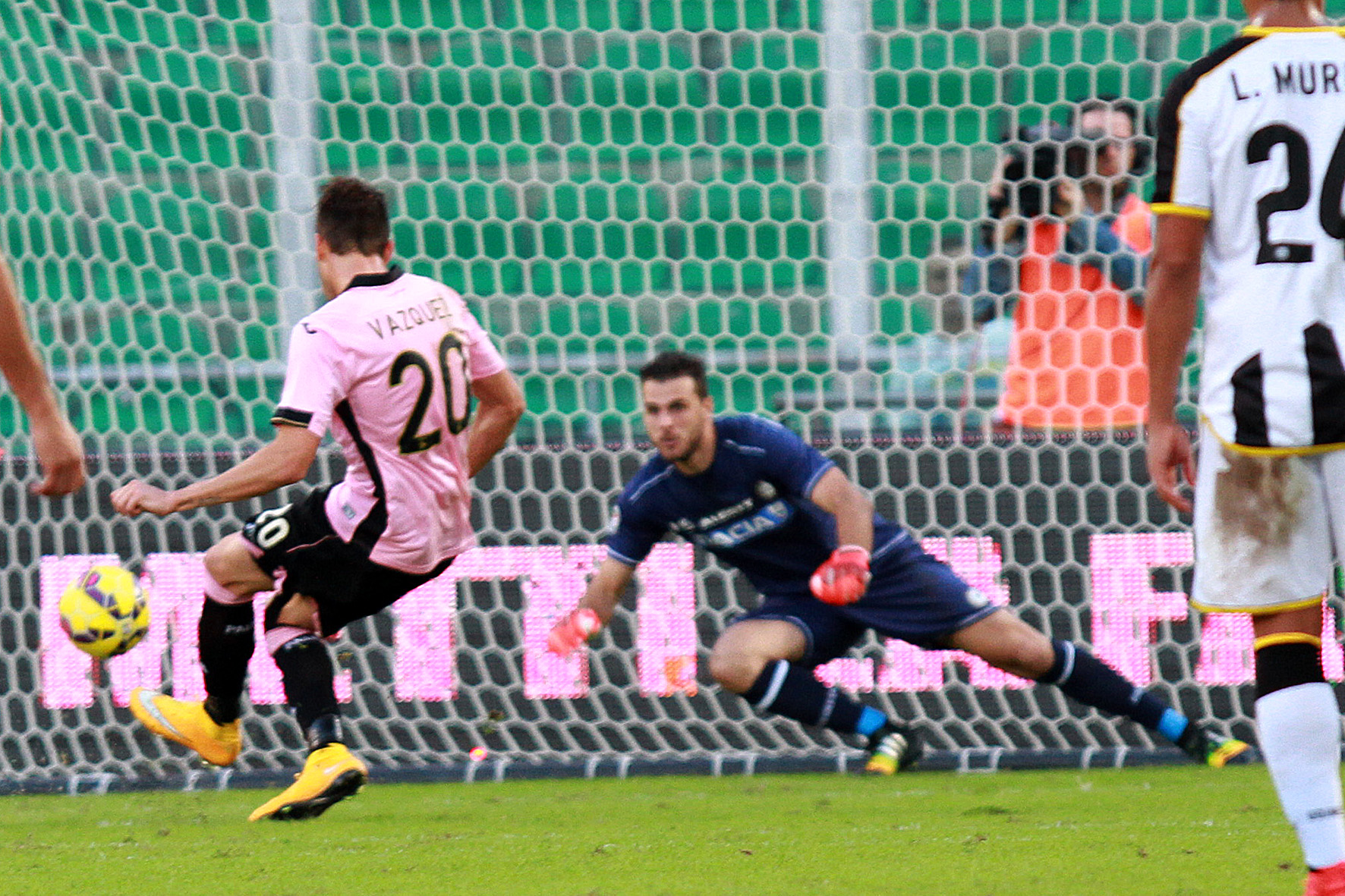 Franco Vazquez in gol